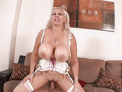 Big Titty Milfs 08
